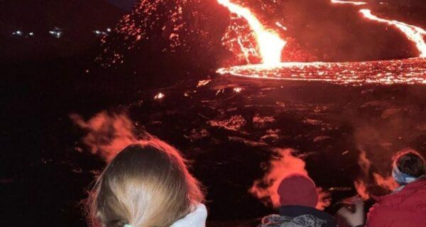 Почему извержение вулкана в Исландии идеально для туристов