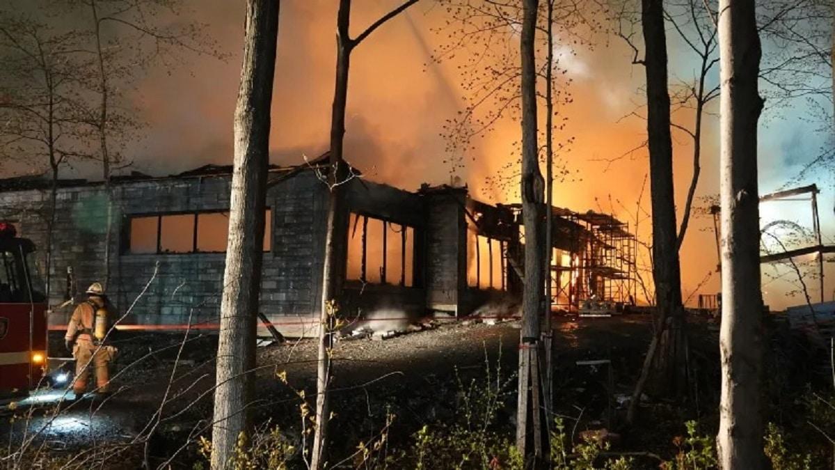 Bigpicture ru ahuntsic mansion fire