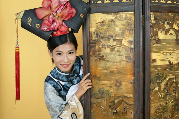Bigpicture ru depositphotos 127345932 stock photo chinese princess wearing traditional clothes