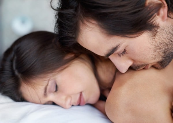 Bigpicture ru man kissing woman shoulders tp69