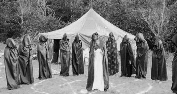 Культ Блэкберн, или Как домохозяйки основали секту с человеческими жертвоприношениями