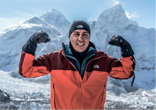 Дмитрий Портнягин покоряет горные вершины