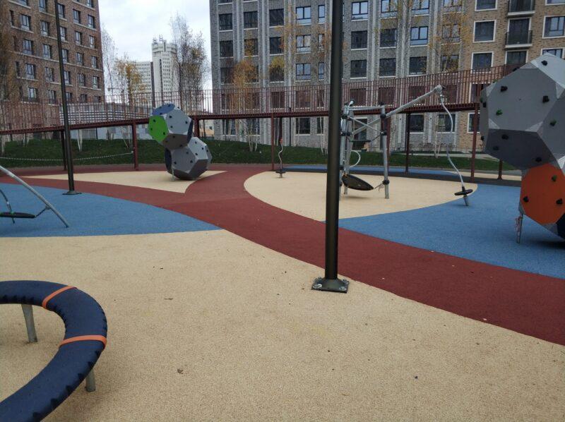 покрытие резиновое для спортивных площадок