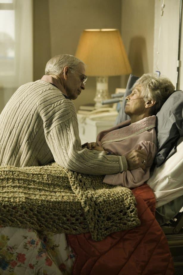 Bigpicture ru 0 old person ill at home