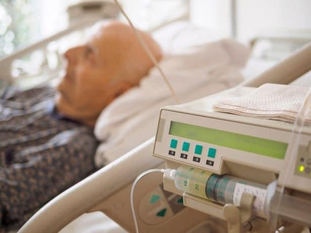 Bigpicture ru 0 senior man at palliative care