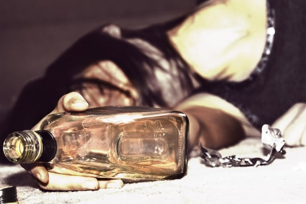 Bigpicture ru depositphotos 3550052 stock photo drunk woman