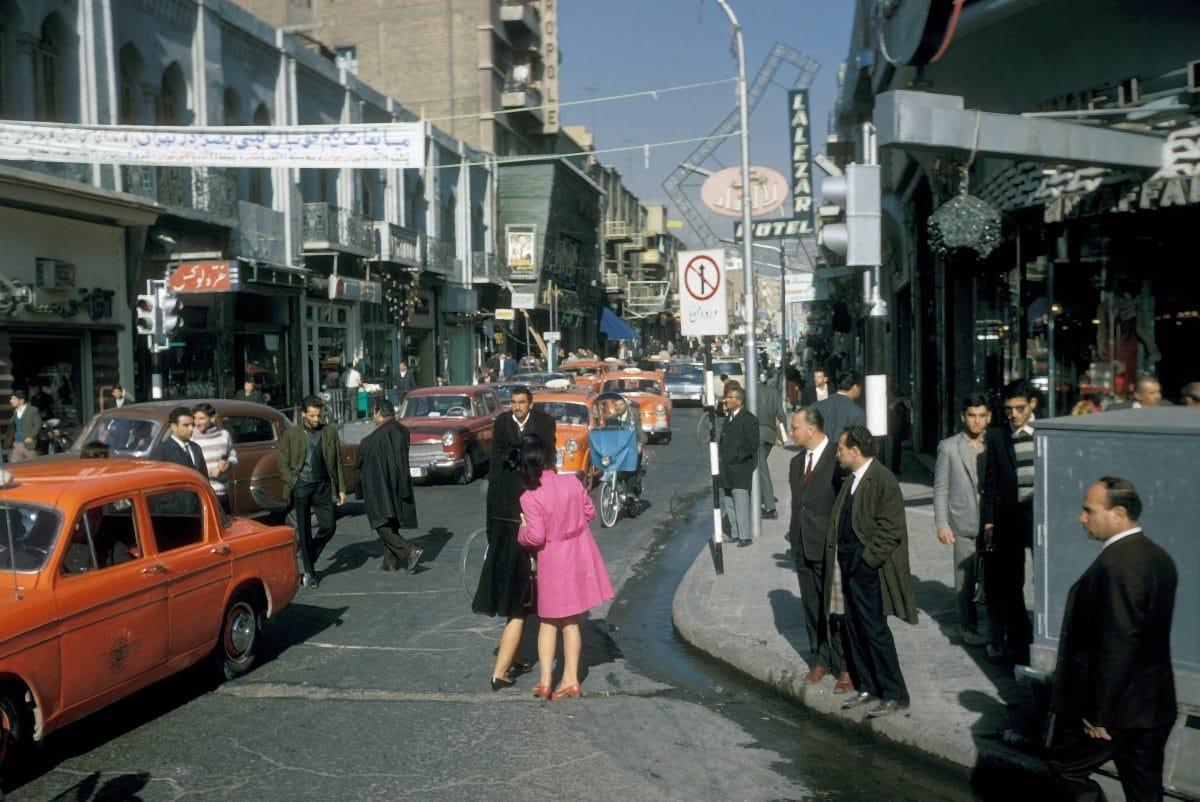 Bigpicture ru iran tehran street scene 1967 ca