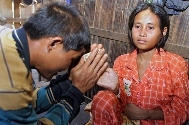 Найденная в джунглях: печальная история камбоджийской женщины-Маугли