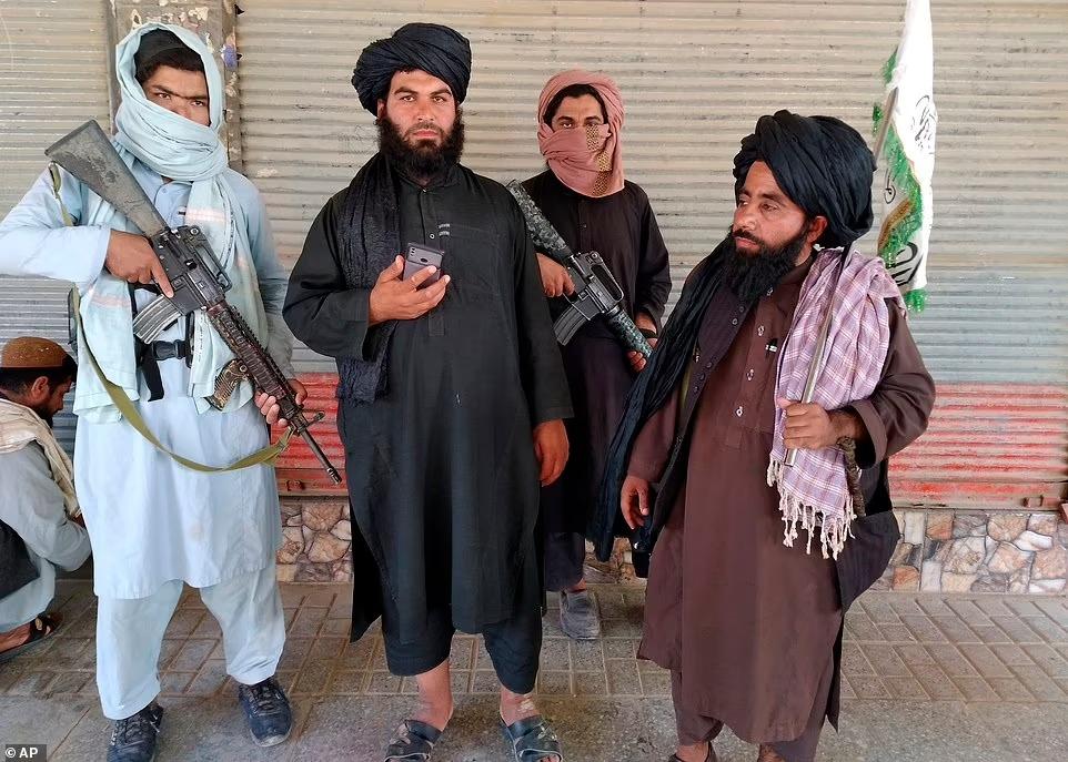 Bigpicture ru 46544329 9883367 taliban fighter