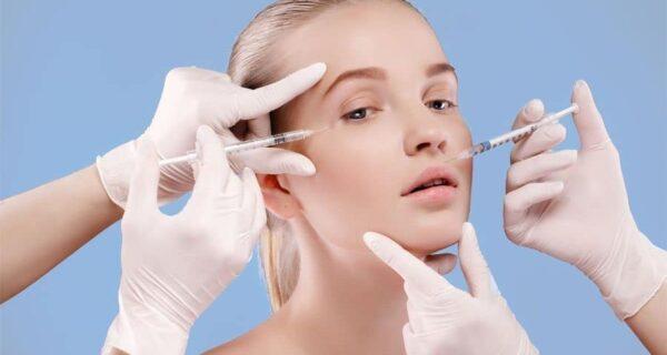 На собственной шкуре: британка испытала на себе эффекты от модных косметологических процедур