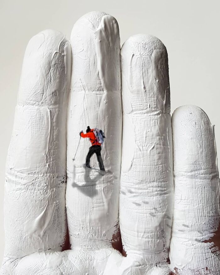 Bigpicture ru artist uses his hands as a canvas to show his hidden worlds 39 pics 60a77ec6e9570 700