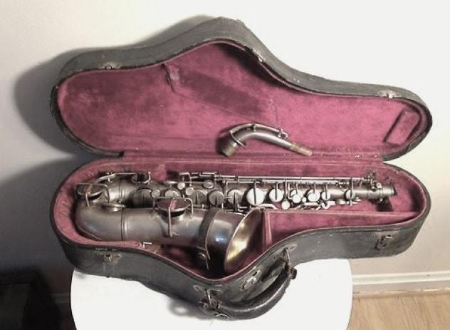 Bigpicture ru clyde barrows saxophone