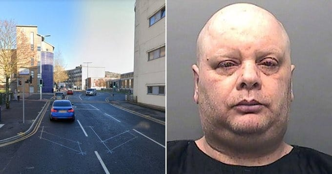 Молчаливый протест: британец в течение семи лет стоит посреди дороги на одном и том же месте, создавая пробки
