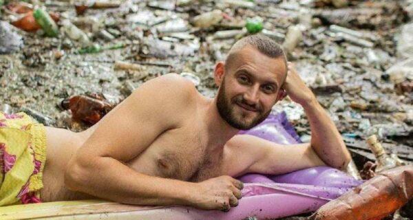 Харьковчанин устроил самую грязную фотосессию в мире, чтобы образумить людей