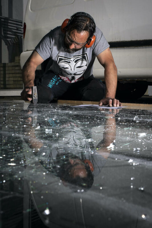 Bigpicture ru simon berger shattered glass art 4