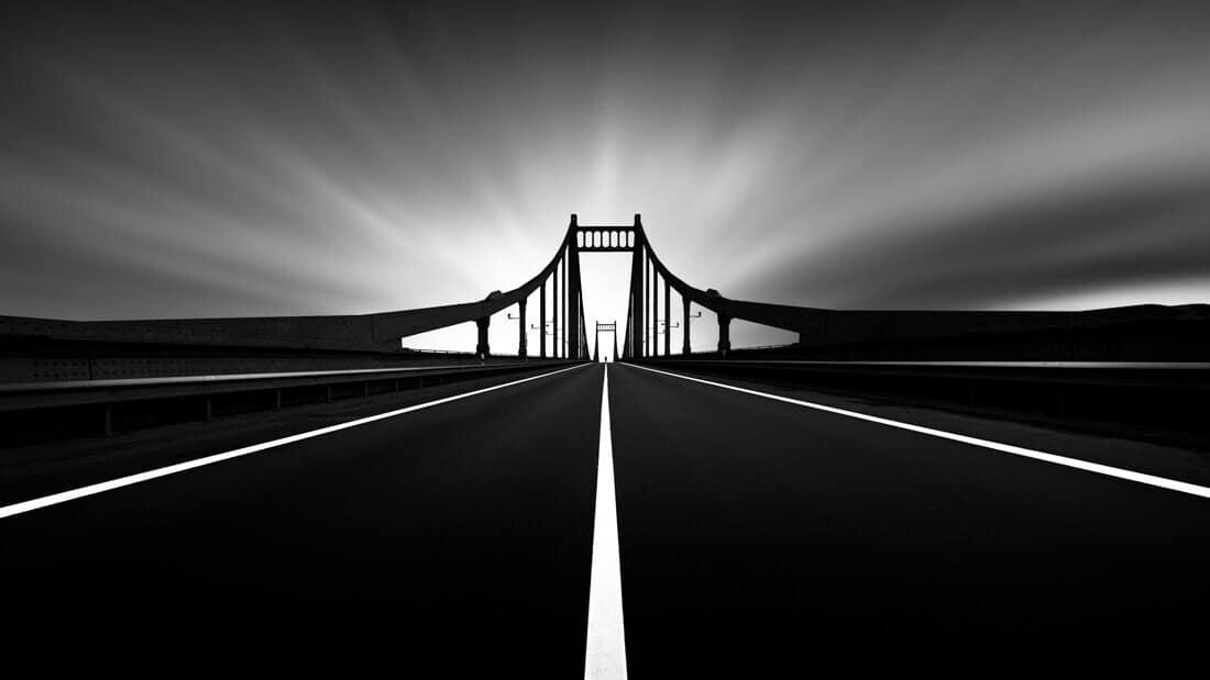 Kr bridge b&w