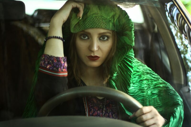 Bigpicture ru burqa behind the steering wheel 6 scaled