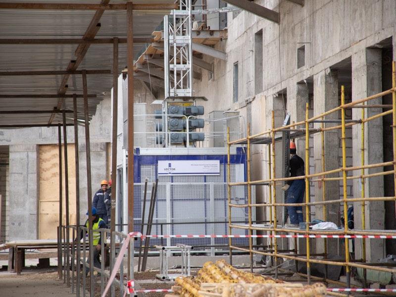 грузопассажирские строительные подъёмники