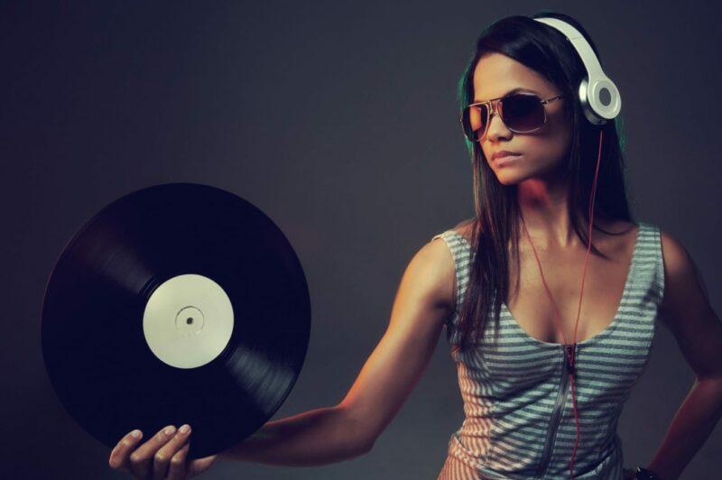 слушать новинки музыки