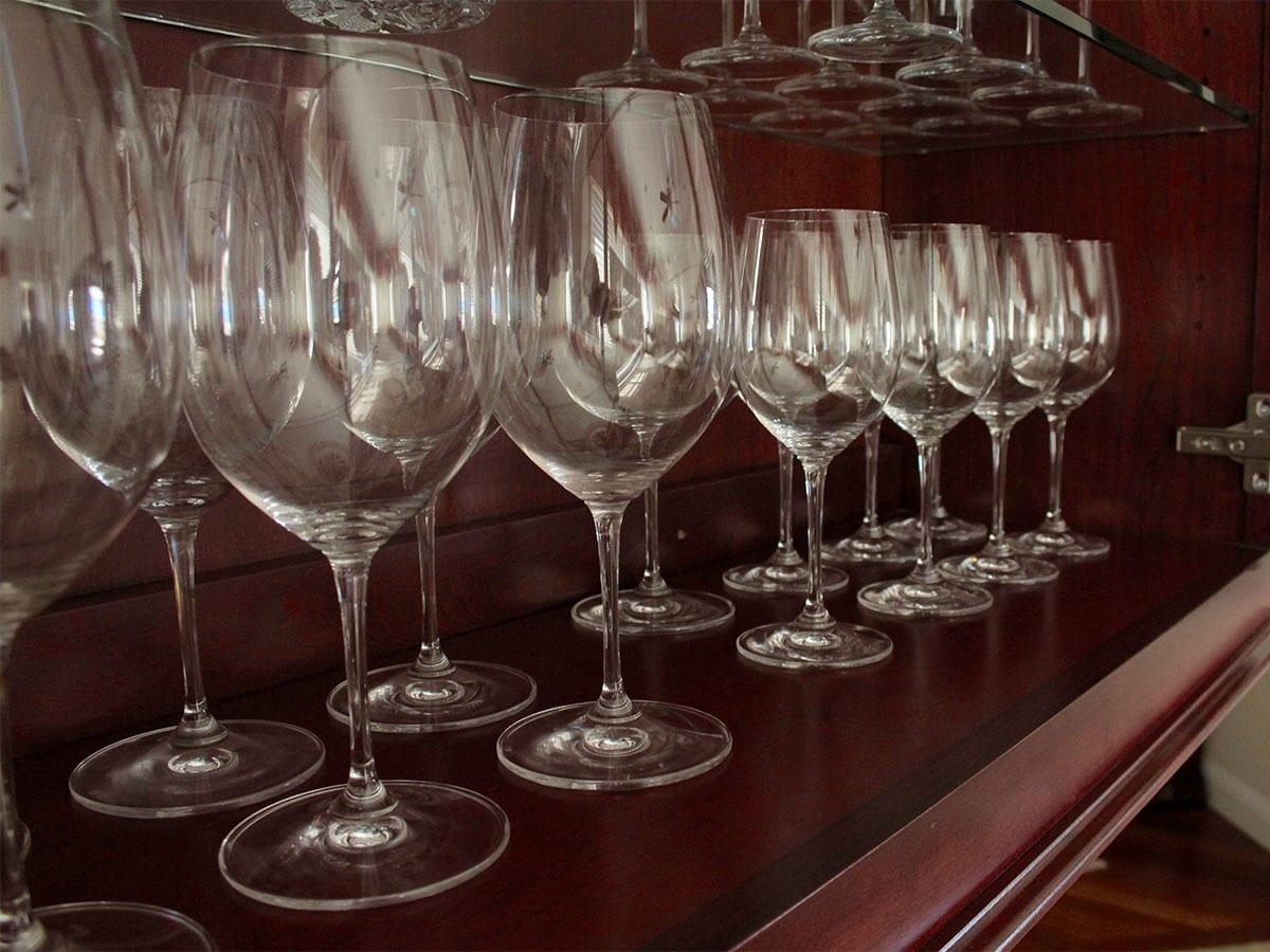 Bigpicture ru washallglasswareonopenshelves