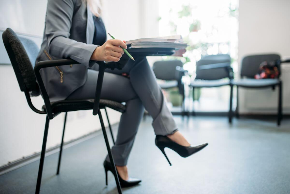 Bigpicture ru woman passes interview in office head hunting cgzbkjt