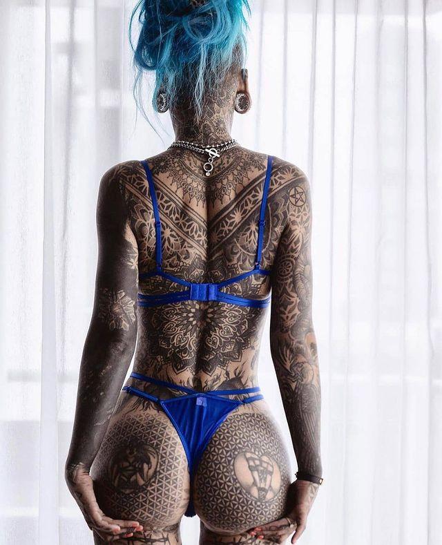 татуированная Эмбер Люк (Amber Luke)