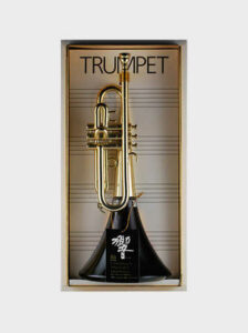Бутылка на 90-летие Hibiki Trumpet Suntory